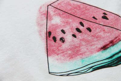 主要宽松的款式为主打类型 西瓜图案短袖t恤 平铺图