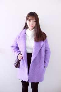 紫色呢子大衣