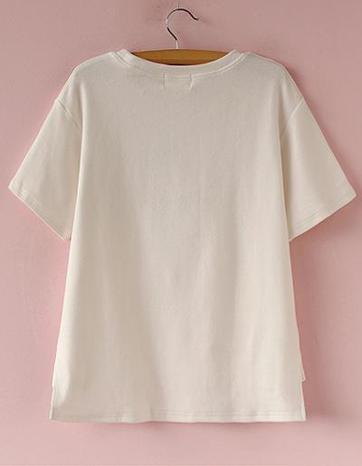 卖家说 简洁经典的圆领~短袖,胸前可爱的胡萝卜,字母图案刺绣,很q哦