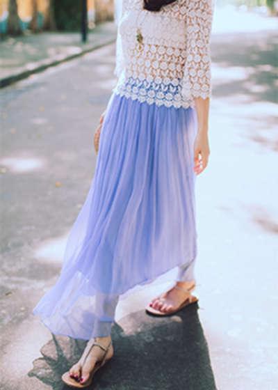 纯色拖地百褶半身裙搭配