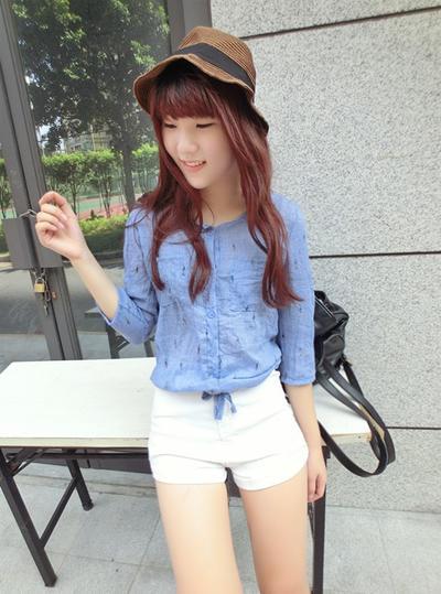 可爱彩色小娃娃印花~甜美清新的图案 搭配独特的样式,棉麻的衬衫质感