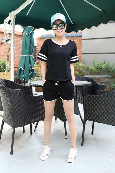 运动型女孩穿衣搭配图